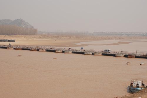 此外,在济南百里黄河风景区,2005年5月在黄河岸边出土的镇河兽的